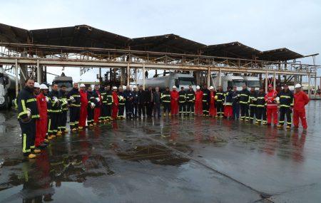 في إطار البرامج التدريبية لفرق الطوارئ التابعة لإدارة الصحة والسلامة المهنية حيث يقوم الفريق بزيارة ميدانية لمختلف مواقع الشركة، صباح اليوم الثلاثاء 27 مارس 2018 قام فريق