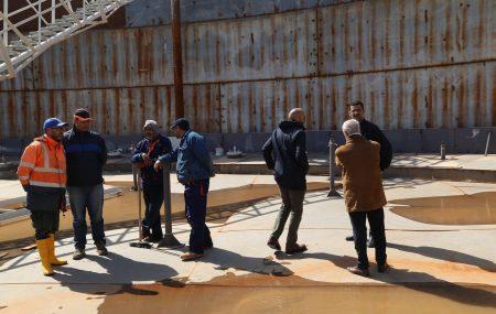 في ظل المشاريع التي تقوم شركة البريقة بتنفيذها بمستودع مصراته النفطي قام فريق الأشراف التابع للإدارة الفنية بإدارة المشروعات بزيارة ميدانية لمشروع إنشاء ثلاث خزانات