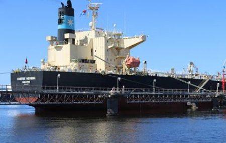 نشاطات مراقبة التزويد والنقل البحري للمناطق الوسطى والشرقية ( ناقلة الغاز التحدي تغادر منصة الرصيف النفطي بنغازي بعد إتمام عمليات التفريغ بخزانات الشركة والميرسك ناقلة