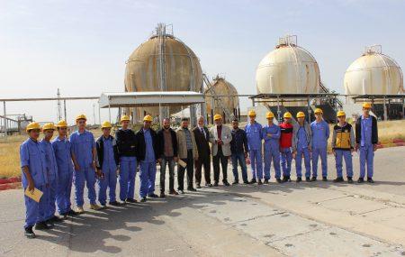 ضمن التعاون المشترك بين شركة البريقة لتسويق النفط ومعهد النفط للتأهيل والتدريب قام عدد من الطلبة التابعين لمعهد النفط يومي الاحد والثلاثاء الموافق الأول والثالث من