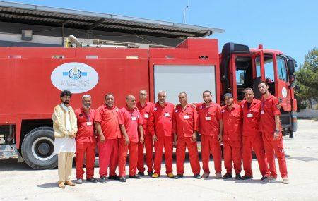 فرقة الطوارئ بشركة البريقة لتسويق النفط متأهبة وعلي كامل الإستعداد للمساهمة في إخماد النيران بخزان الوقود بميناء راس لانوف النفطي
