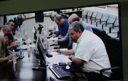 عبر الدائرة المغلقة من بنغازي عقدالدكتور فؤاد رئيس لجنة الإدارة صحبة زملائه أعضاء لجنة الإدارة المخصين اجتماعاً مهماً صباح اليوم الأربعاء 11 يوليو >> ضم السادة مدراء