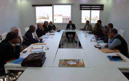 عقدت الأحد الثامن عشر من نوفمبر2018م إجتماعا بالقاعة الرئيسية التابعة للإدارة الفنية والمشروعات بمقر الشركة بطريق المطار طرابلس حيث ضم هذا الإجتماع السيد المدير العام
