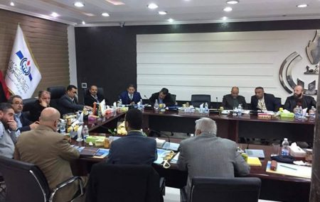 ترأس السيد/ عضو لجنة الإدارة للمناطق (و. ش) والشؤون الفنية لشركة البريقة لتسويق النفط عبر الدائرة المغلقة من بنغازي اليوم الثلاتاء الموافق 18 ديسمبر 2018 م العرض التقديمي