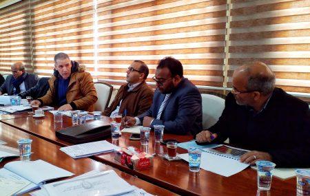 بحضور السادة أعضاء لجنة الإدارة ترأس السيد رئيس لجنة الإدارة للشركة بصالة الإجتماعات الرئيسية بنغازي عقِب الزيارة التفقدية التي أجراها صحبة أعضاء لجنة الإدارة لمباني