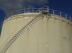 عودة خزان البنزين بموقع مرسى البريقة للتشغيل بعد إجراء عمليات الصيانة
