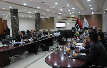 واصلت لجنة دليل إجراءات العمل عقد اجتماعاتها بإدارات الشركة حيث التقت اليوم الأربعاء السادس عشر من يناير 2019م بمستخدمي إدارة المواد. الإجتماع الذي تم بقاعة الإجتماعات