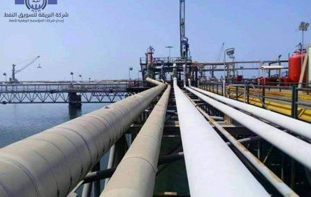 """#حركة النواقل البحرية بمنصة الرصيف النفطي ـ بنغازي """"LUCKY SAILOR"""" ناقلة الوقود تنهي عمليات ضخ وتفريغ حمولتها من وقود #البنزين. ضمن نشاطات مراقبة التزويد والنقل البحري"""