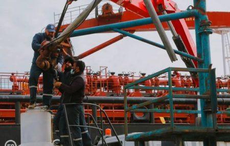 الإنتهاء من عملية صيانة ذراع التعبئة الخاص بمنصة رقم (5) بميناء طرابلس البحري.