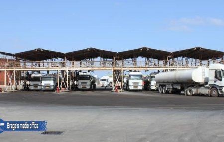 إستئناف عمليات التوزيع والتزويد من مستودع مصراته النفطي ودخول الشاحنات لتعبئة وتنفيذ طلبيات وقود البنزين و الديزل بشكل طبيعي من الساعة الحادية عشر والربع صباحاً الموافق