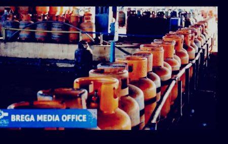 إدارة عمليات منطقة بنغازي #مستودع_رأس_المنقار مخرجات أسطوانات الغاز ليوم السبت 13مارس 2021م التي تم توزيعها على موزعي الغاز للمناطق والمدن المبينة أدناه على النحو التالي/
