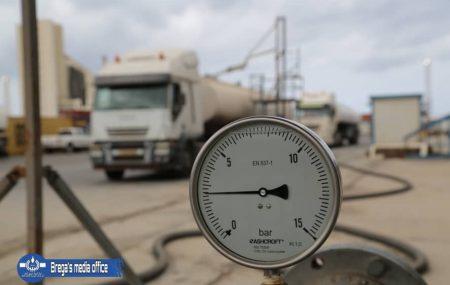 إستمرار عمليات التوزيع علي شركات التوزيع والمحطات. #الناقلة انوار النصر #ميناء طرابلس البحري الجمعة 9أبريل2021