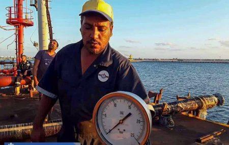 #حركة_النواقل_البحرية_عبر_الرصيف_النفطي_بنغازي خزانات الشركة بموقع مستودع رأس المنقار تستقبل شحنتي وقود #ديزل_وبنزين ضمن نشاطات مراقبة التزويد والنقل البحري