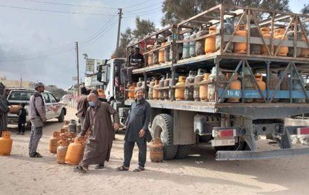 الأن انطلاق الشاحنات من مستودع مصراتة النفطي لنقاط التوزيع المباشر للجمهور لاسطوانات غاز الطهي النقطة 1 بالقرب من جزيرة سوق الثلاثاء - زليتن النقطة 2 داخل سوق